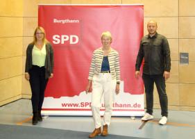 Nadine Aigner, Karin Gätschenberger-Bahler und David Schröder
