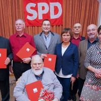 Die Jubilare zusammen mit Martina Baumann und Thomas Otto