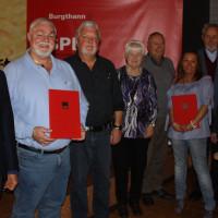 Von links sind zu sehen: Thomas Rogler, Walter Heller, Günter Pölloth, Heidemarie Vollmar, Hans Vollmar, Yvonne Holzammer, Karlheinz Lingl, Karin Gätschenberger-Bahler